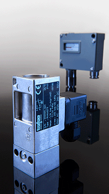 Electromechanical pressure switches